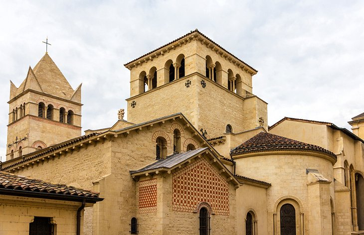 Abadía de Saint-Martin d'Ainay