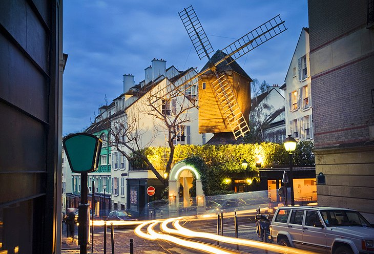 Moulin de la Galette: Windmills
