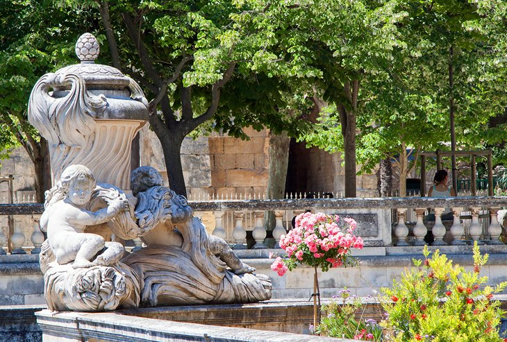 10 top rated attractions places to visit in n mes planetware - Jardin des fontaines nimes ...