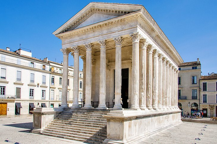 10 TopRated Tourist Attractions in Nimes PlanetWare
