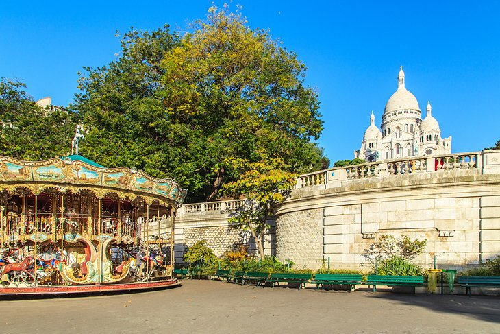 Carousel with a view of Sacré-Coeur
