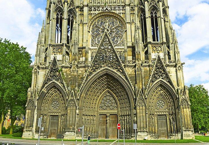 Omul de intalnire Rouen.