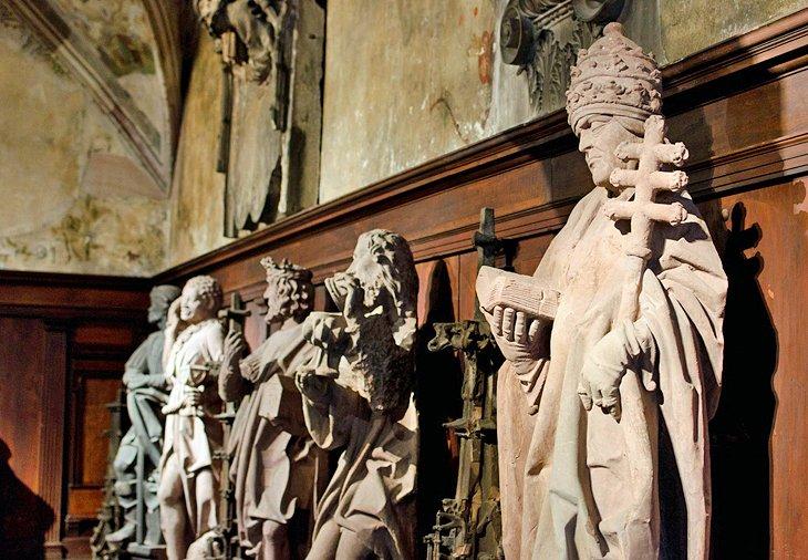 Esculturas en el Musée de l'Oeuvre Notre-Dame
