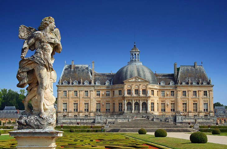 Experience a Candlelight Evening at Château Vaux-le-Vicomte