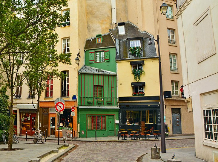 Stroll Through the Charming Old Quarters of Paris