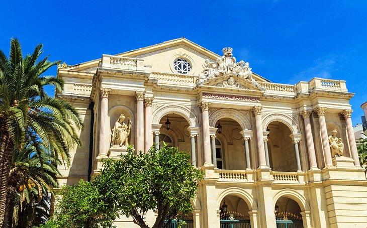 10 Top Tourist Attractions in Toulon & Easy Day Trips ...