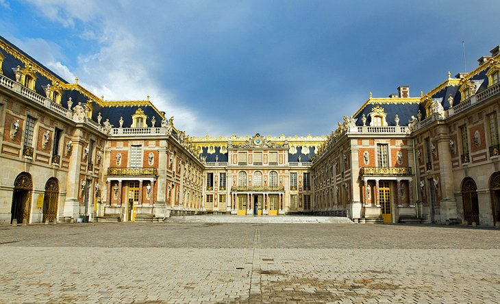 visiting the chateau de versailles  10 top attractions