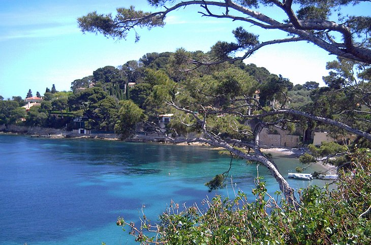 Plage de la Paloma on the Saint-Jean-Cap-Ferrat Peninsula
