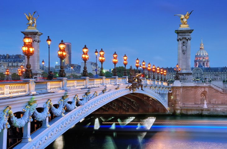 22 top rated tourist attractions in paris planetware for Pacific hotel parigi