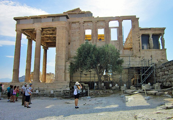 Exploring the Acropolis in Athens: A Visitors Guide ...