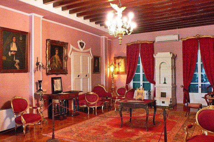 Roma Mansion