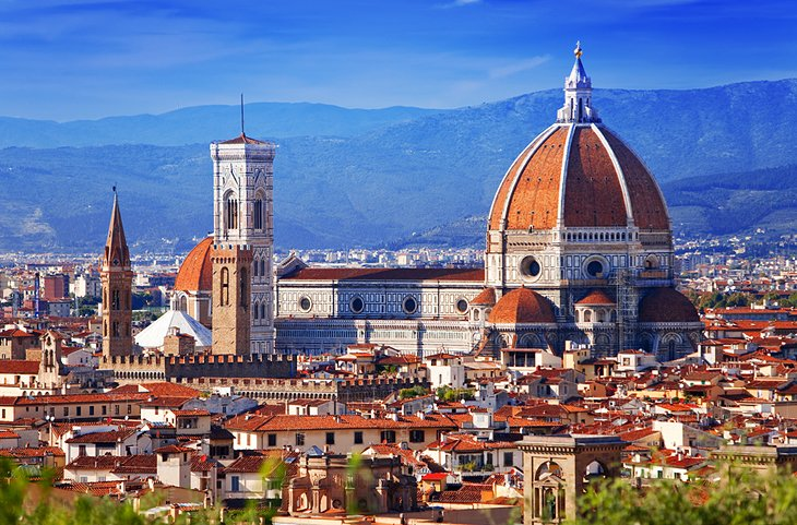 places to visit in italy Pizza, pasta, the treasures of ancient rome, the romantic towns of naples' bay, the soaring heights of vesuvius and etna, the picture-perfect canals of venice and some of the planet's most fascinating museums and galleries are just some of the treats in store for travelers making their way to this veritable jewel of the med.