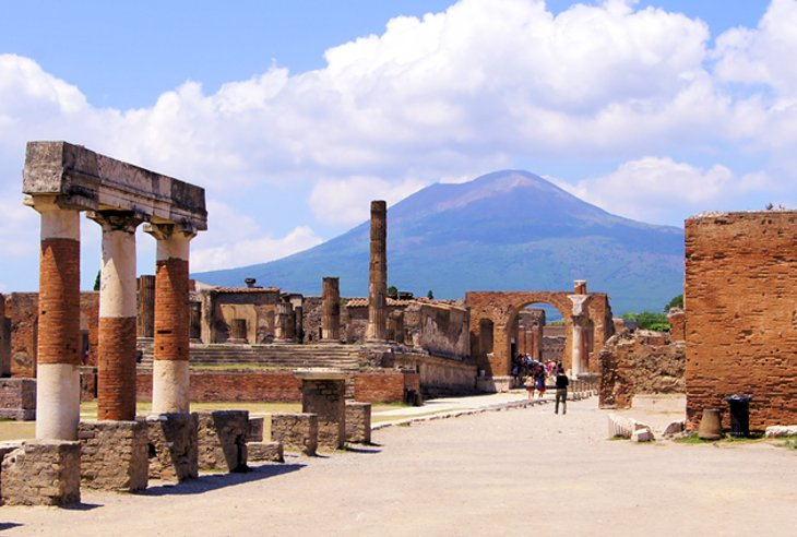 vesuvius muslim Pompeii was an ancient roman town-city near modern naples, in the campania region of italy, in the territory of the comune of pompeipompeii, along with herculaneum and many villas in the surrounding area, was mostly destroyed and buried under 4 to 6 m (13 to 20 ft) of volcanic ash and pumice in the eruption of mount vesuvius in ad 79.