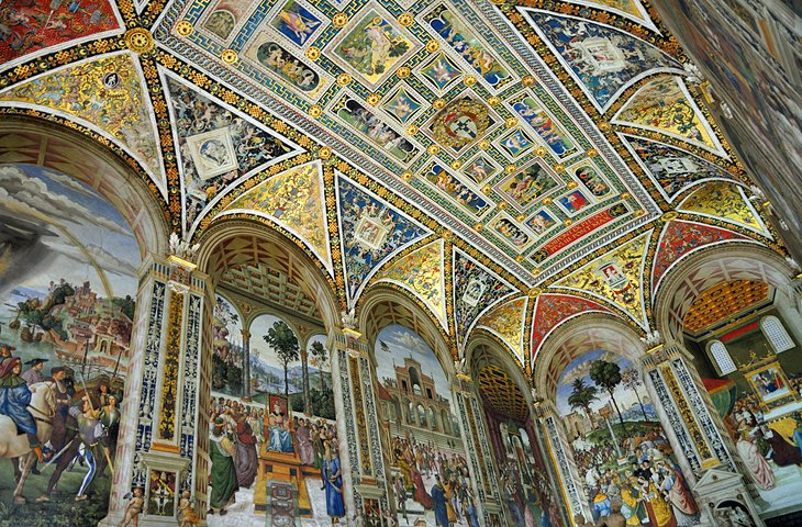 Piccolómini Library Frescoes