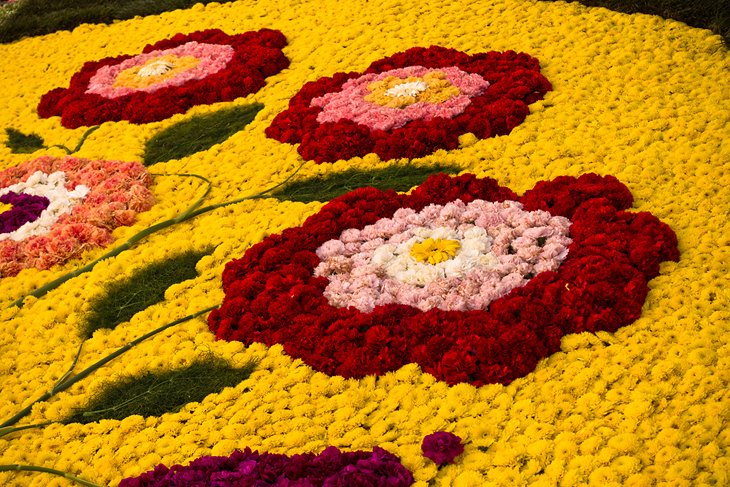 Flower mosaic in Noto