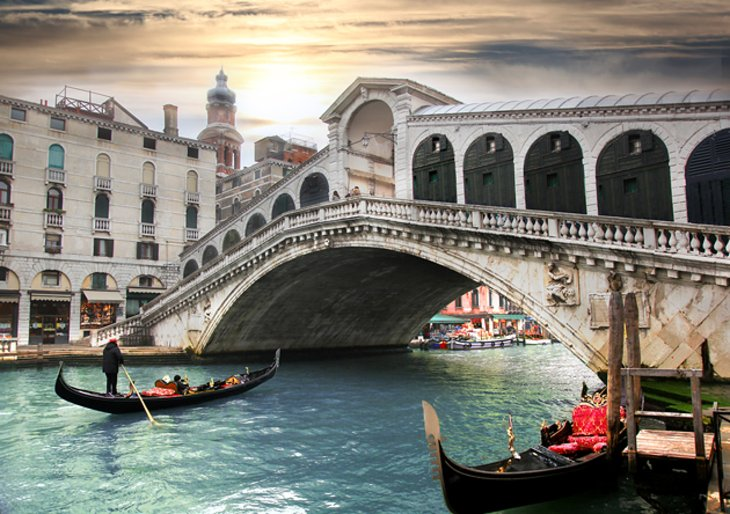 Ponte di Rialto (Rialto Bridge) and San Polo