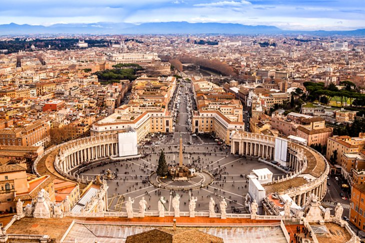 Piazza San Pietro (St. Peter's Square)