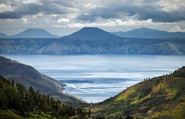 دریاچه تبا