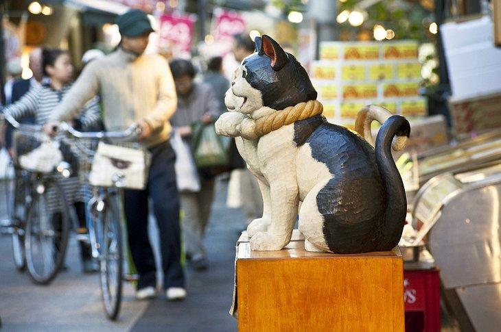 Scène de rue dans le quartier de Ginza