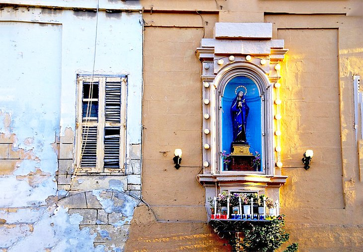 Antique Shops and Historic Churches in Birkirkara