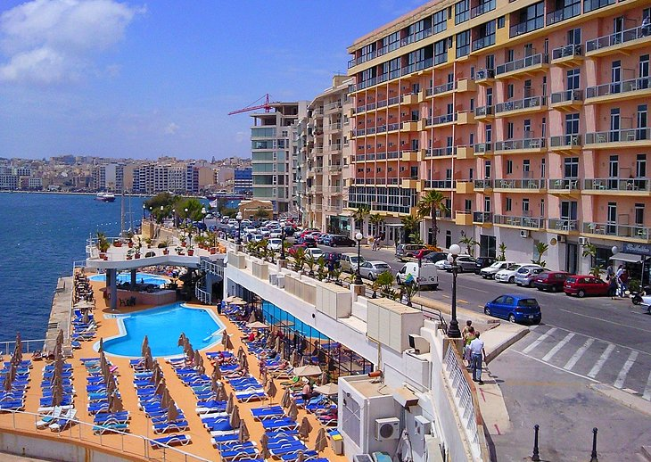 Sliema: Waterfront Restaurants and Harbor Cruises