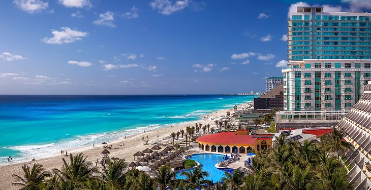 Luxury Beachfront Hotels Cancun