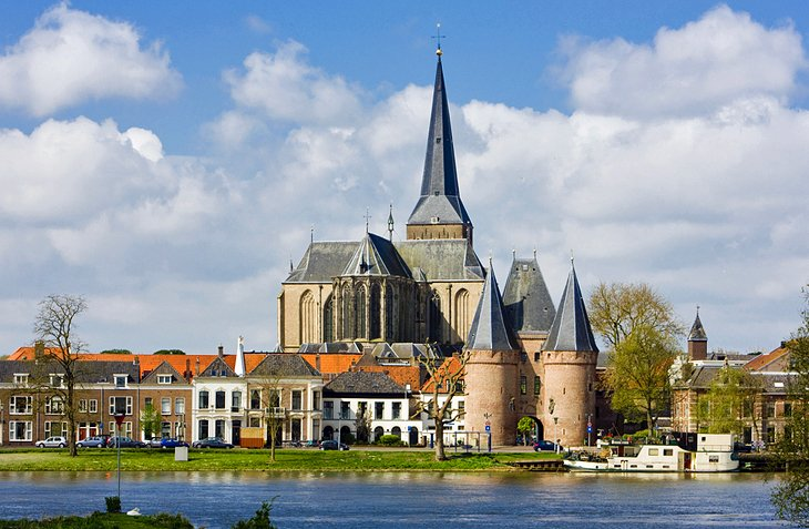 Kampen's Many Towers