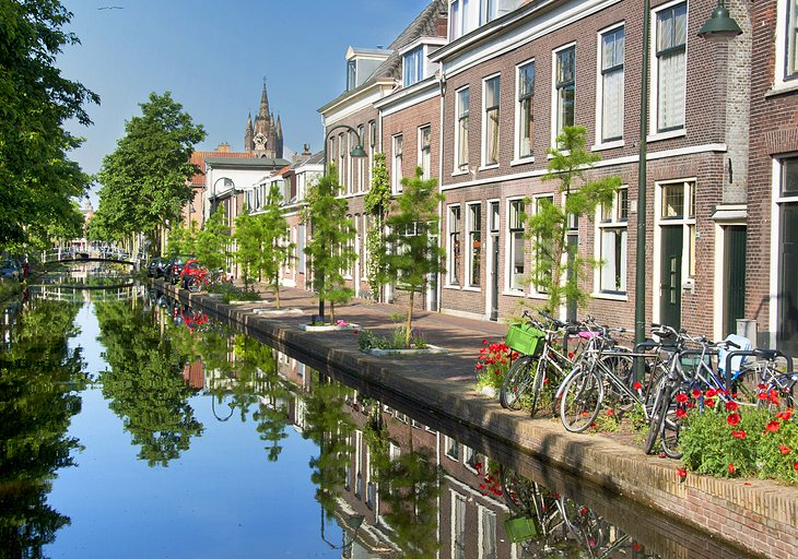 The Old Canal (Oude Delft)