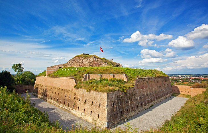 fort pierre dating Martinique (french according to carbon dating of artifacts and established the first european settlement at fort saint-pierre (now st pierre.