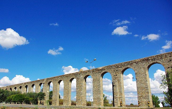 Aqueduto da Água de Prata (Aquaduct)