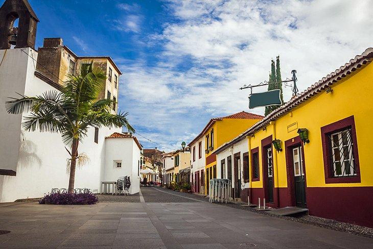Zona Velha (Old Town)