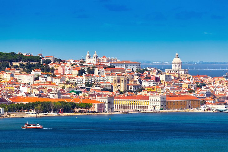 Lisbon and Around: Sightseeing and Excursions