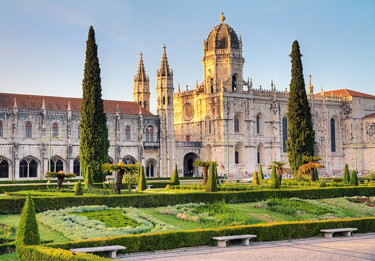 Mosteiro dos Jerónimos: Built in Honor of Portugal's Age of Discovery