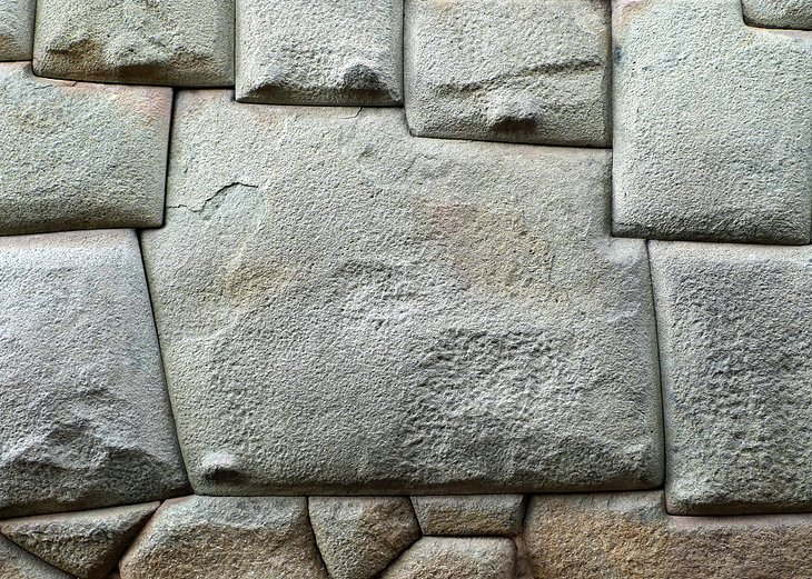 12-sided Inca Stone in Cusco