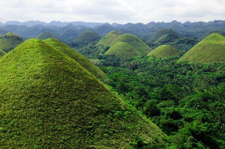 تپه های شکلاتی بوهول فیلیپین