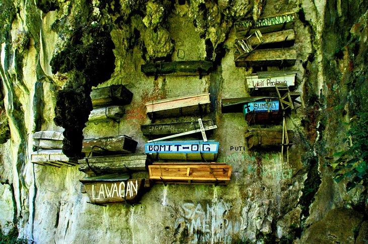 تابوت های آویزان ساگادا فیلیپین