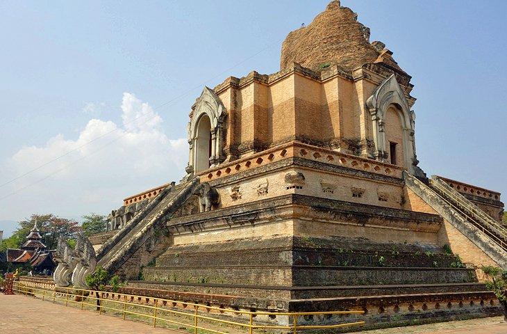Wat Chedi Luang Entrance Fee 4 Wat Chedi Luang