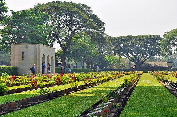 Железнодорожный центр Тайланда Бирмы & военное кладбище Канчанабури