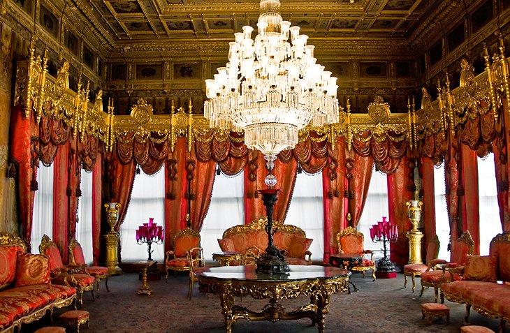 قصر Dolmabahçe
