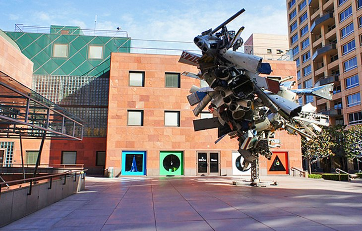 Museum of Contemporary Art (MOCA)
