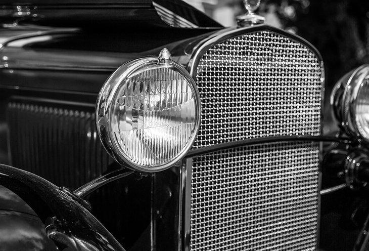 Parrilla de un automóvil antiguo