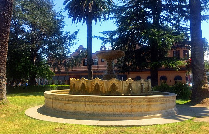 Plaza Viña del Mar Fountain and Park