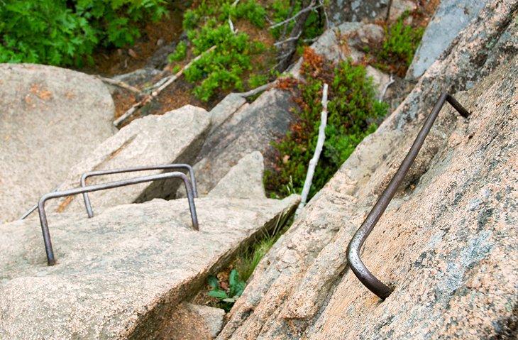 Desafiante ruta de senderismo en el Parque Nacional Acadia