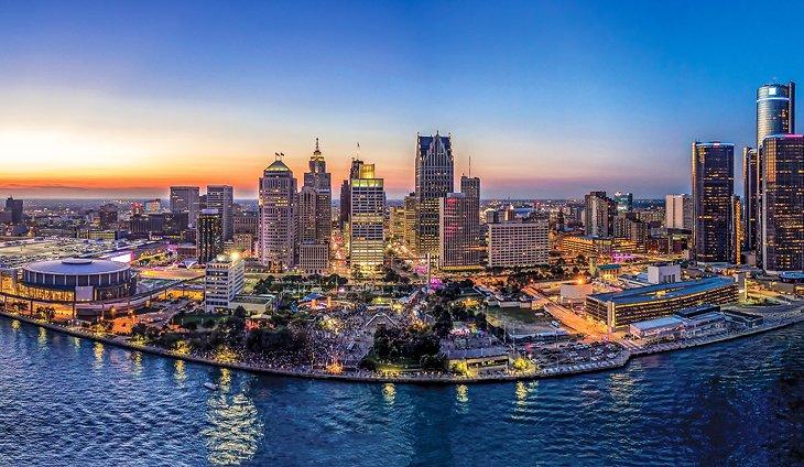 12 Top-Rated Weekend Getaways in Michigan | PlanetWare