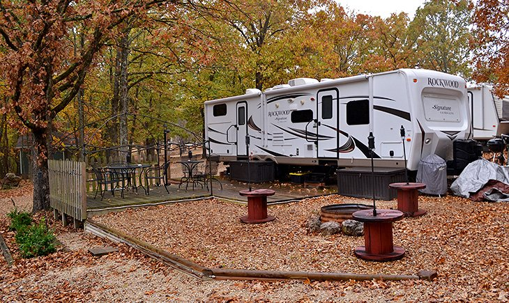 Majestic Oaks Campground