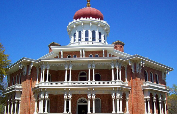 12 Top-Rated Tourist Attractions in Natchez | PlanetWare on columbus plantation houses, charleston plantation houses, new iberia plantation houses, selma plantation houses, missouri plantation houses, detroit plantation houses, maryland plantation houses, oakland plantation houses, beaufort plantation houses,
