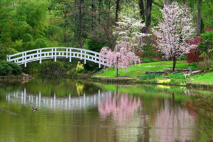 7 top rated romantic getaways in north carolina planetware for Gardens in raleigh nc