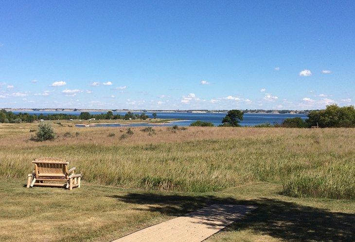 9 top rated tourist attractions in north dakota planetware for Lake sakakawea fishing
