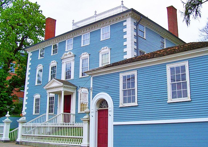 Portsmouth Harbor Trail and Historic Houses