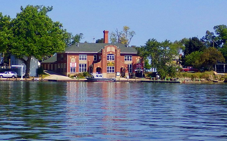 12 top rated attractions things to do in put in bay oh for Fish hatchery ohio
